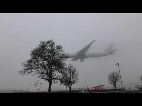 Share London Ambulance & Turkish  Boeing 777   Fluffing Heathrow 24nov19 1111a Ist Istanbul