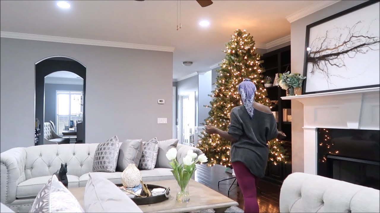CHRISTMAS 2018   LIVING ROOM TREES ARE UP + TRY ON HAUL THREDUP