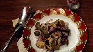 Салат постный из мидий и соленого огурца. Пошаговый рецепт