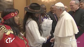 Representatives of the Indigenous Peoples' Forum at IFAD meeting Pope Francis
