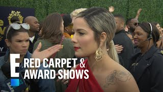 Halsey's Angelina Jolie Moment at 2018 MTV Music Awards | E! Live from the Red Carpet