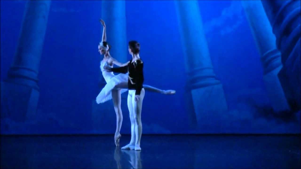 accademia del balletto classico  u0026quot lago dei cigni u0026quot