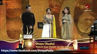 IIFA-2012 best singer shreya Ghoshal.wmv