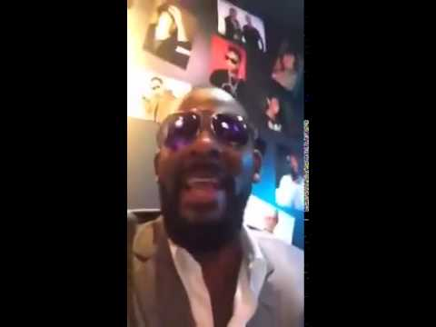 R&B Singer R. Kelly Says he still has it, Sings Classics.