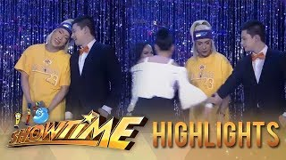 It's Showtime Miss Q and A: Anne breaks Vice Ganda and Greg apart