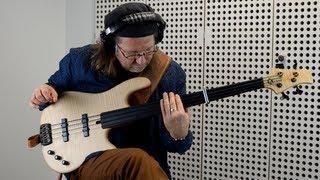 RALF GAUCK - FRETLESS SOLO BASS | BassTheWorld.com