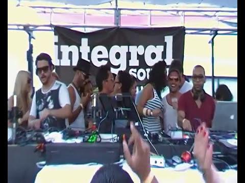 LUCIANO b2b CARL CRAIG @ CADENZA pool party SHELBORNE MIAMI 24.03.2011 video8
