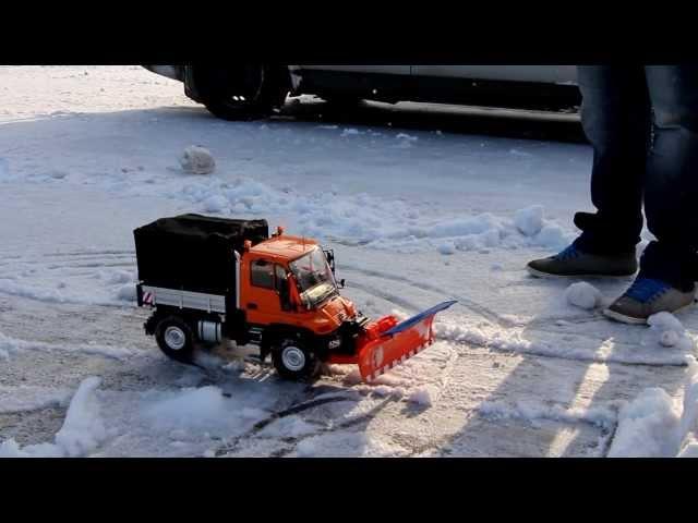 Winterdienst mit dem UNIMOG U300 von Carson