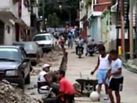 MARXIST OBAMA STINKS All The Way To CHAVEZ's SOCIALIST VENEZUELA !! A Rush Limbaugh TEACHABLE MOMENT
