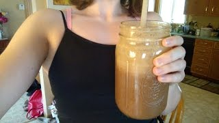 Banana Coffee Smoothie: the most filling smoothie I've ever created