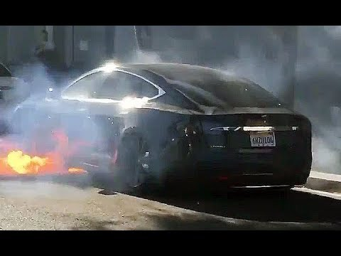 Tesla Model S Spontaneously on Fire in Los Angeles