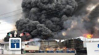 Bình Dương: Cháy lớn khu công nghiệp, khói 'cuồn cuộn'