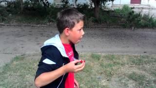 Прикол пацан решил съесть перец