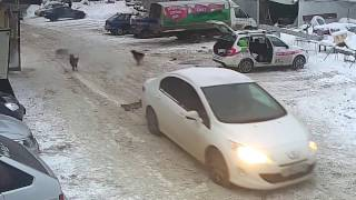 Жесткое видео с уличной камеры видеонаблюдения в Самаре