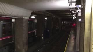 大阪市営地下鉄千日前線阿波座駅で夜間留置のため連絡線の引き上げ線に向かう車両 thumbnail
