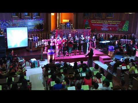 Natal naposo HKBP Balikpapan-Paduan suara ibu ibu