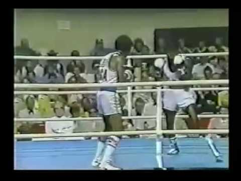 'Sugar' Ray Leonard vs Clinton McKenzie - 1976 Montreal Olympics