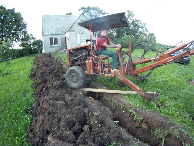 homemade excavator extreme trench crossing (towable backhoe)