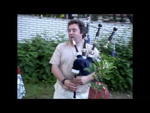 Lindsay Davidson plays on my Kintail bagpipe.