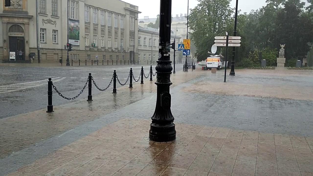 Burza w Lublinie. Grad na placu Litewskim