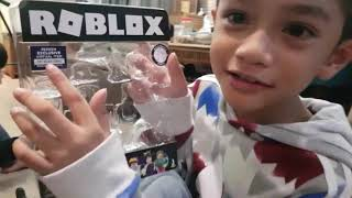 First attempt on unboxing toys review 😂 - Avengers Endgame Thanos, Black Panther, Roblox, Humvee