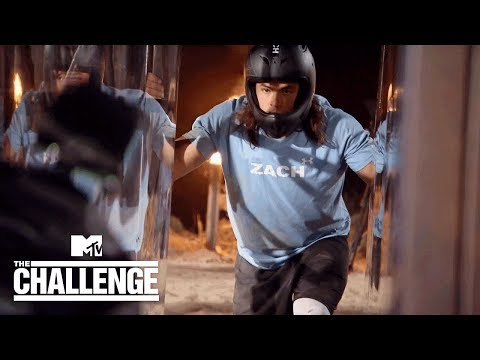 Zach vs. CJ in Dramatic 'Hall Brawl' Elimination | The Challenge: Battle of The Seasons
