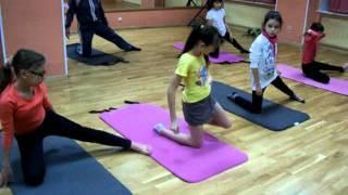 Йога для детей. Йога для детей видео(Занятия йогой для детей. видео. Упражнения йоги для детей., 2011-11-30T19:09:19.000Z)