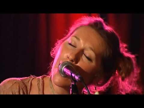 Martha Wainwright - Bloody Mother Fucking Asshole (live)