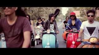 Video jamphe johnson - besi tua (scooter holiday) download MP3, 3GP, MP4, WEBM, AVI, FLV Juni 2018