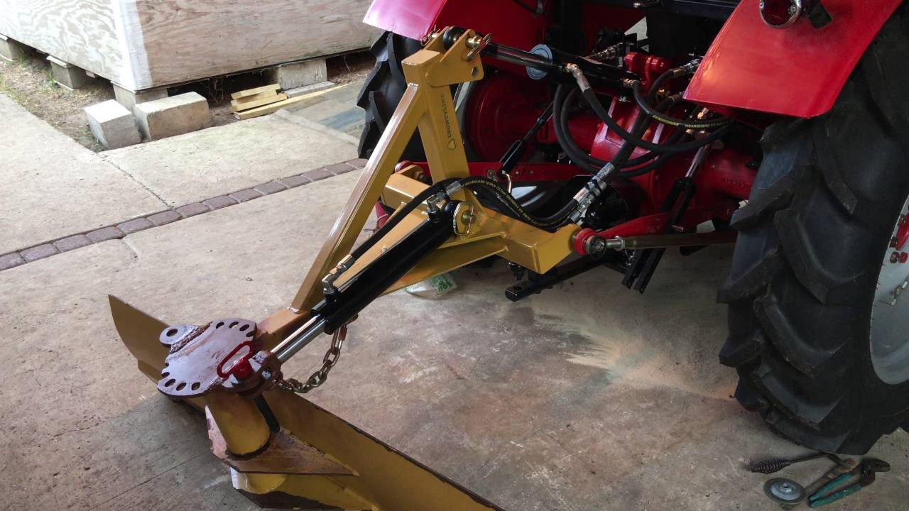 massey ferguson 35  rear hydraulics   toplink  side lift