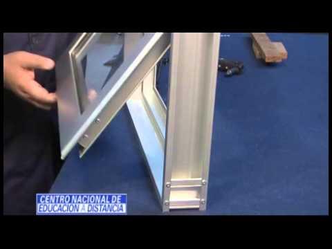 Carpinter a en aluminio ventana proyectante youtube for Celosias de aluminio para jardin