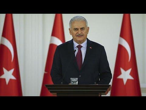 Başbakan Yıldırım, Çankaya Köşkü'nde basın açıklaması yapıyor.