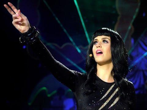 Katy Perry - E.T. (DVD Live)