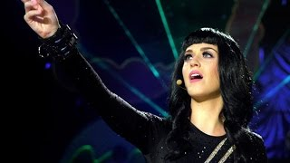 Katy Perry - E.T. (DVD Live)