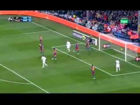 Real Madrid V Barcelona (Let the drummer Kick Edit)