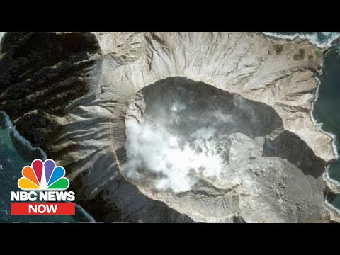 A Minute-By-Minute Look At The New Zealand Volcano Eruption | NBC News NOW