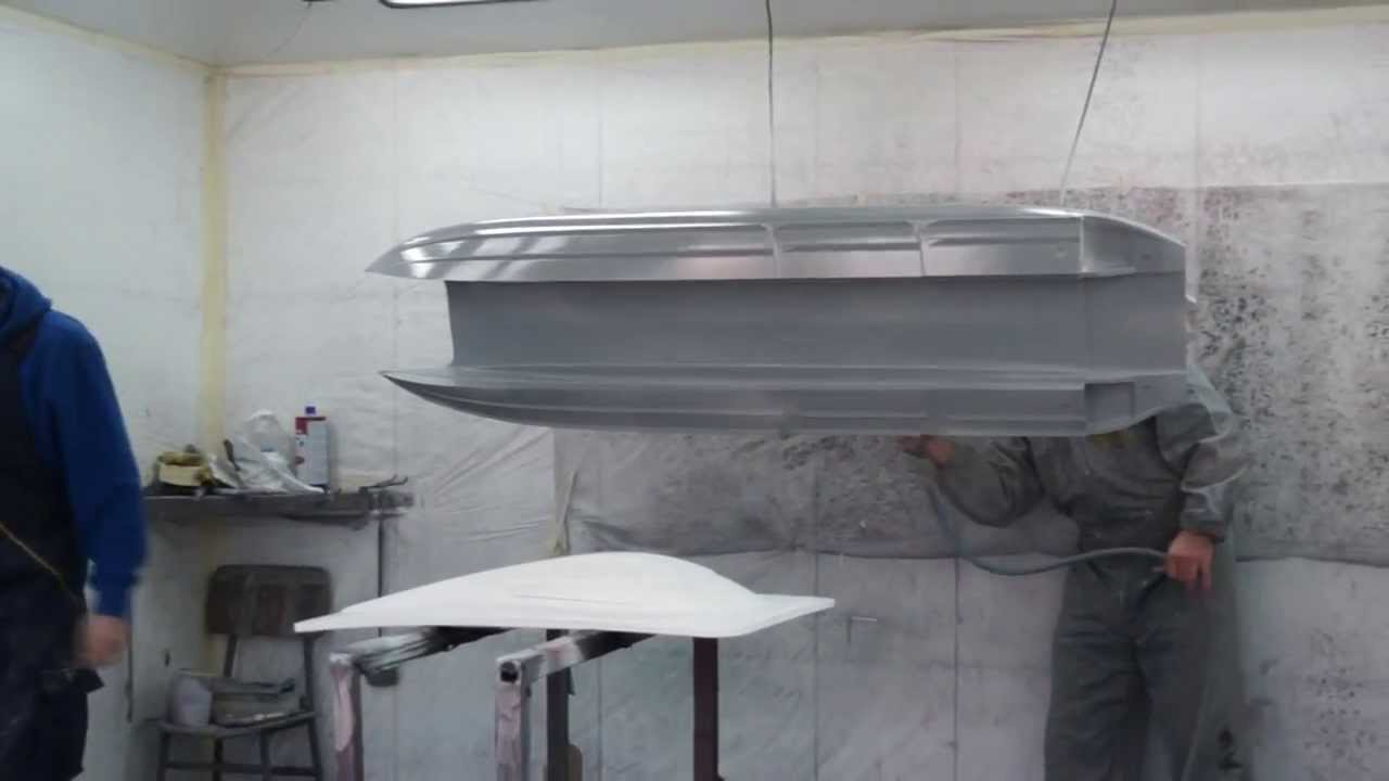 MHZ Mystic 1850 – professional hull painting and finish