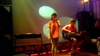 Và em đã biết mình yêu - Trang Hoàng Singer ft Lộc Phạm guitarist!