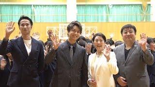 EXILEのTAKAHIROが初めて単独主演を務めた映画「僕に、会...