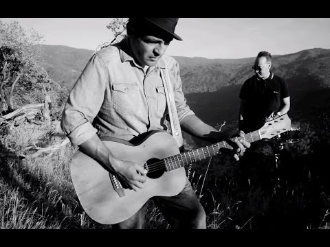 Lance Canales & The Flood - Plane Wreck At Los Gatos (Deportee)