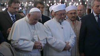 Papst Franziskus setzt in Istanbul auf Bescheidenheit