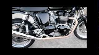 Triumph thruxton 900cc side ways, close epic fail!
