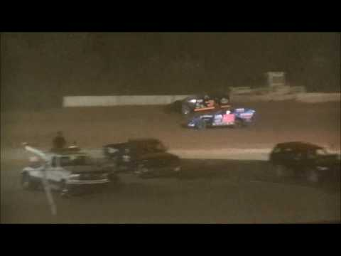 Legendary Hilltop Speedway Modified Feature 8-12-2016