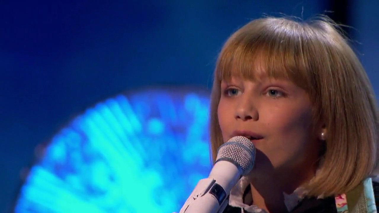 Americas Got Talent Christmas.America S Got Talent 2016 Grace Vanderwaal Christmas Special