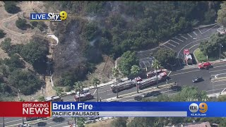 Firefighters Quickly Halt Brush Fire Threatening Homes In Pacific Palisades