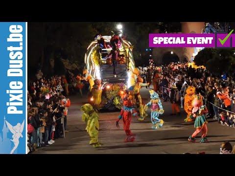 the disney villains 39 halloween celebration parade disney 39 s. Black Bedroom Furniture Sets. Home Design Ideas