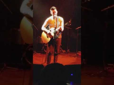 Jake Owen---acoustic cover tribute to Glen Campbell- the whicita lineman--southshore music circus