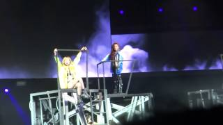 I AM THE BEST OPENING - 2NE1 at the Nokia Live Theatre