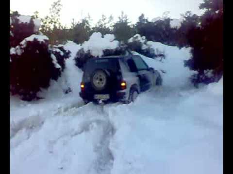 suzukis vitara en la nieve snow