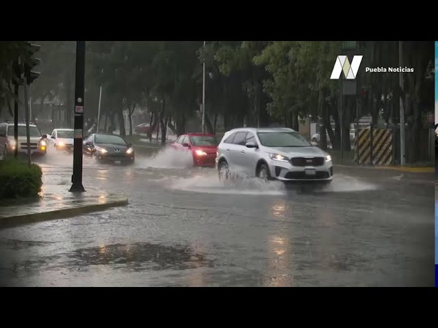 Tarde de intensa lluvia en la capital de #Puebla